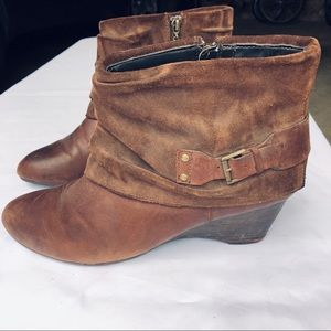 Clark's brown leather ankle boots size 12